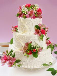 Hochzeitstorte dreistöckig mit bunten Blumen - 008